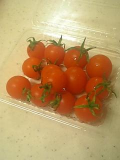 ♪トマトは夏の〜(違う)
